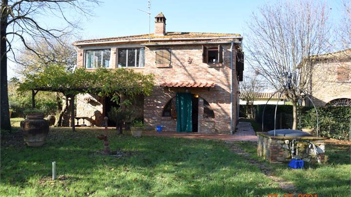 House of Character for sale in Lucignano